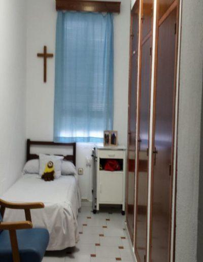 Dormitorio individual de adultas