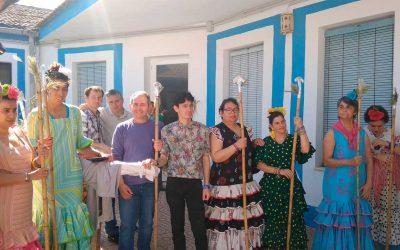 Los residentes disfrutaron de su particular procesión de San Isidro en el complejo Cristo Roto